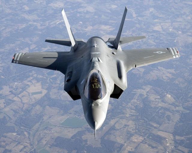 DISPREZZO SE L'OPPOSIZIONE NON FERMERA' L'F35
