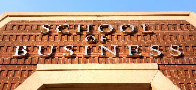 IRRIDERE O NO LE BUSINESS SCHOOLS?