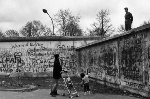 LA LEZIONE DI BERLINO-EST